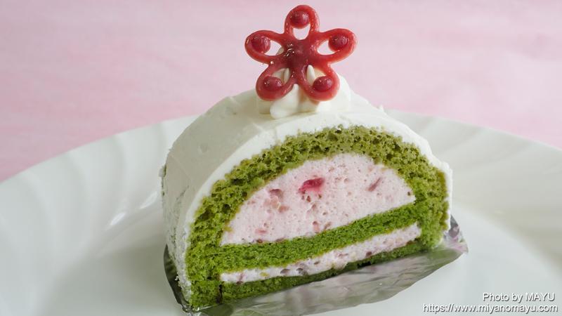 苺と抹茶のムースケーキ